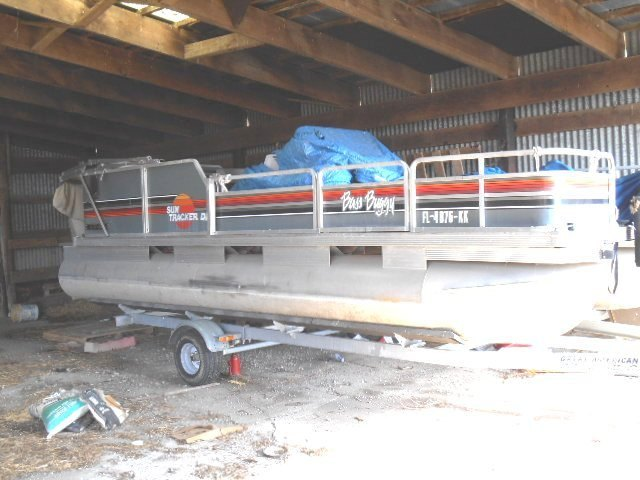 Pontoon Boat Bass Buggy With 35 Hp Mercury And Trailer